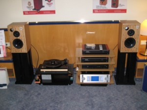 Harbeth whest Bauer Audio dps Dynalab