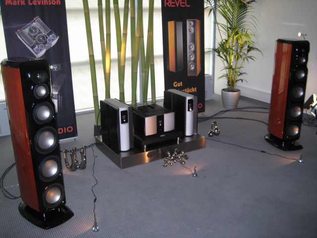 high end 2009 hifi anlage revel mark levinson. Black Bedroom Furniture Sets. Home Design Ideas